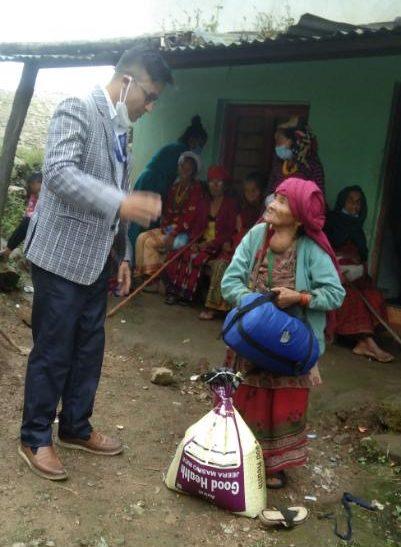 kranke nepalesische Frau
